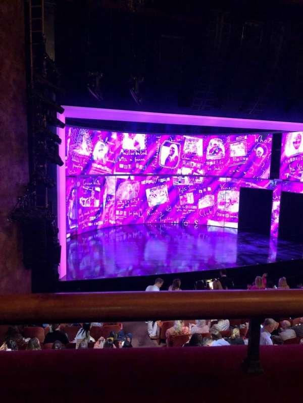 August Wilson Theatre, sección: left mezzanine, fila: A, asiento: 9