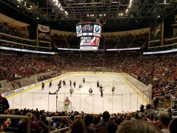 Gila River Arena, sección: 116, fila: R, asiento: 22