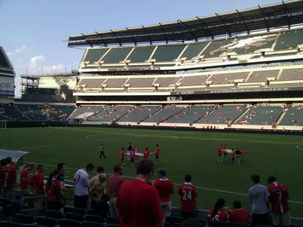 Lincoln Financial Field, sección: 104, fila: 10, asiento: 10