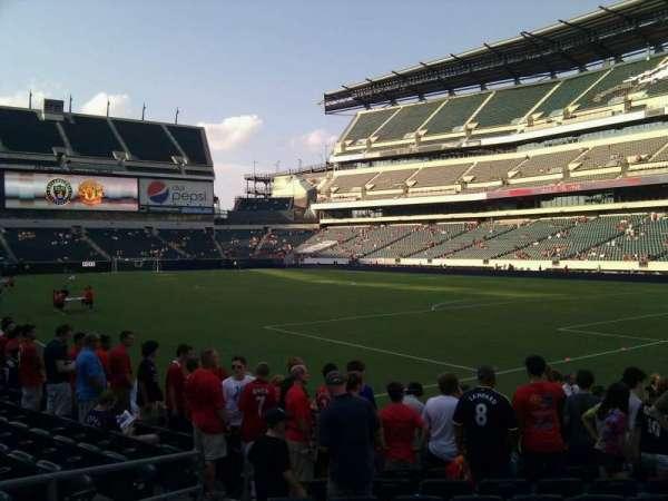 Lincoln Financial Field, sección: 107, fila: 9, asiento: 13