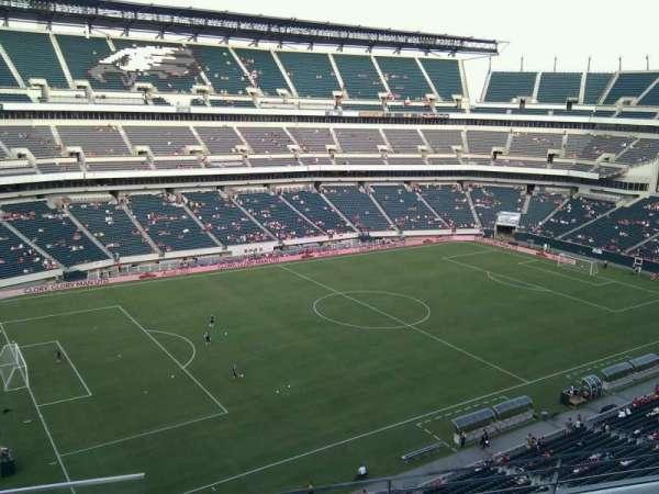 Lincoln Financial Field, sección: 240, fila: 4, asiento: 23