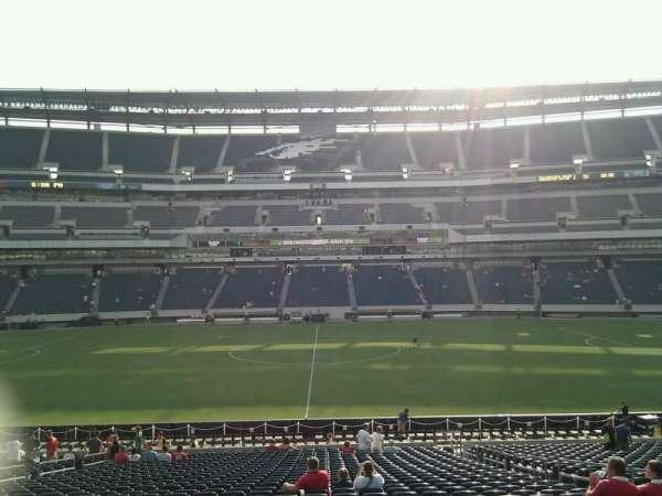Lincoln Financial Field, sección: 120, fila: 32, asiento: 6