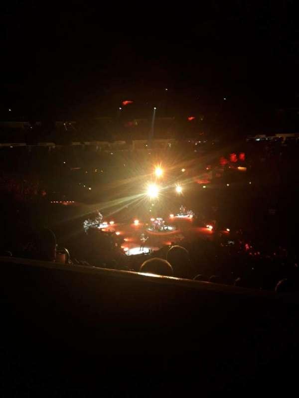 PNC Arena, sección: 102, fila: YY, asiento: 7