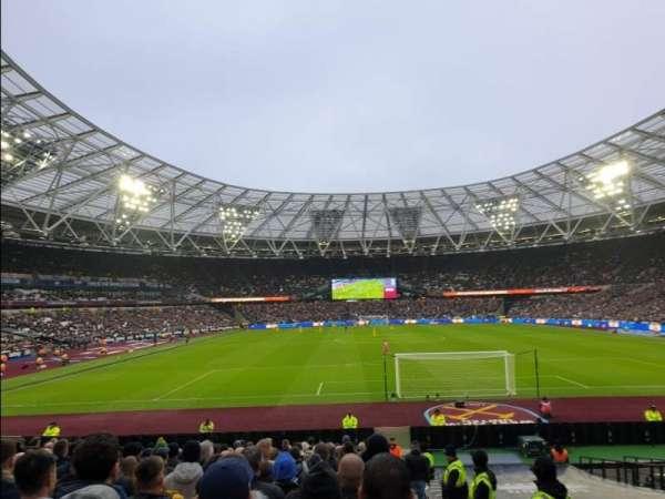 London Stadium, sección: 120, fila: 22, asiento: 55
