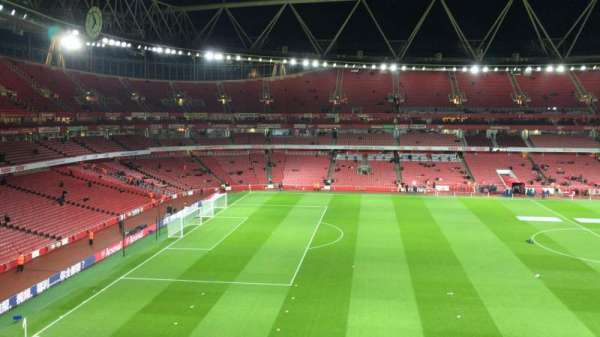 Emirates Stadium, sección: 114, fila: 1, asiento: 662