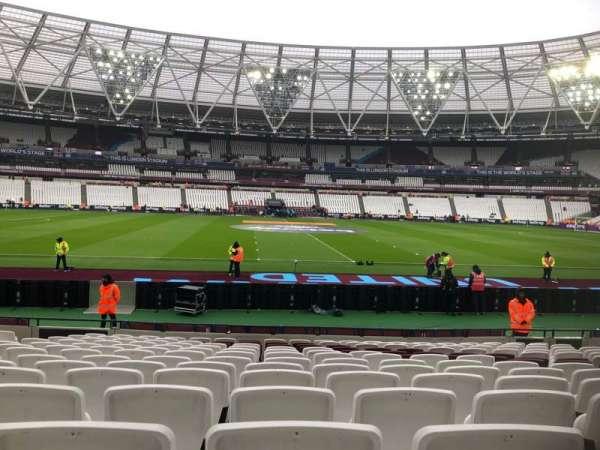 London Stadium, sección: 135, fila: 14, asiento: 274