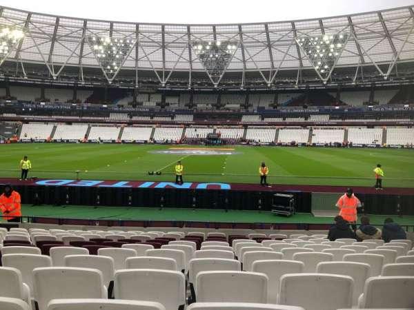 London Stadium, sección: 136, fila: 12, asiento: 244