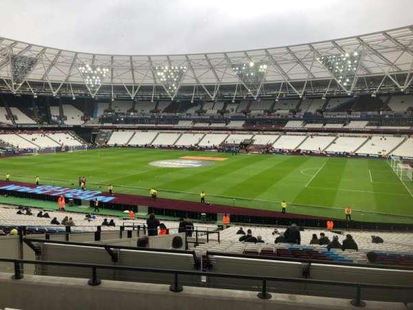 London Stadium, sección: 240, fila: 35, asiento: 319