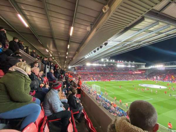 Anfield, sección: 221, fila: 3, asiento: 23