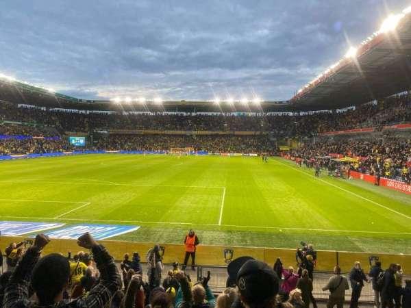 Brøndby Stadion, sección: N1, fila: 10, asiento: 134