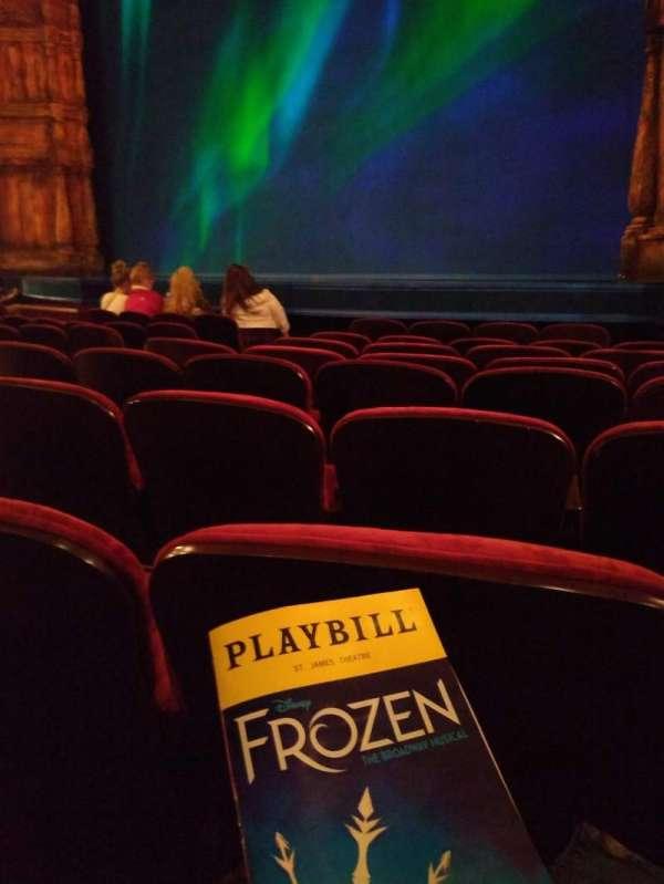 St. James Theatre, sección: ORCH R, fila: G, asiento: 14