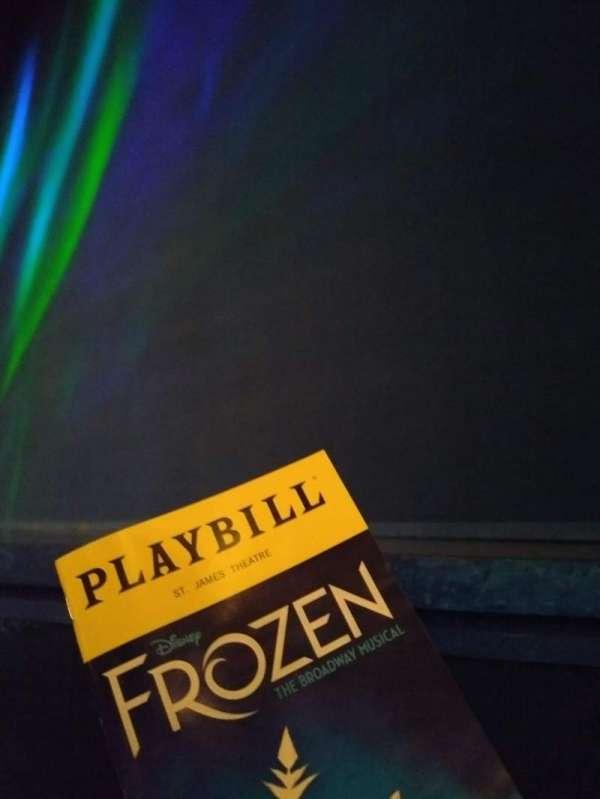 St. James Theatre, sección: ORCH R, fila: BB, asiento: 8