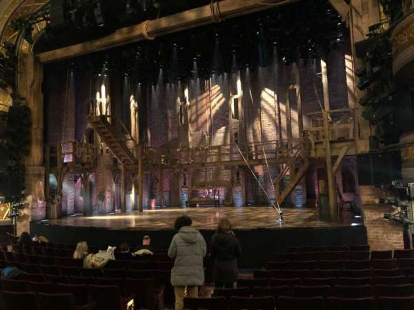 Richard Rodgers Theatre, sección: Orchestra R, fila: L, asiento: 10