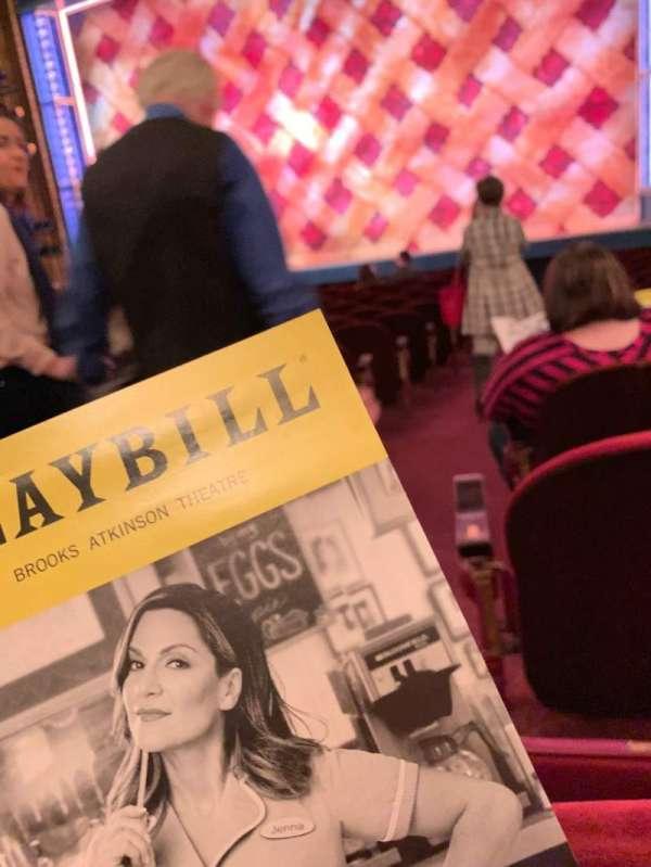 Brooks Atkinson Theatre, sección: ORCH, fila: M, asiento: 2