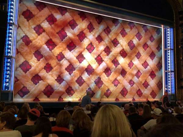 Brooks Atkinson Theatre, sección: Orchestra L, fila: M, asiento: 9