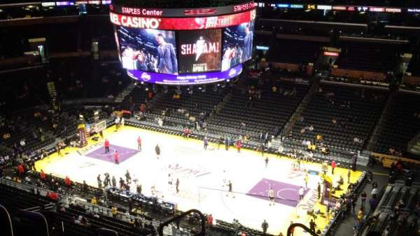 Staples Center, sección: 332, fila: 8, asiento: 24