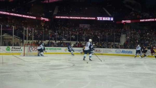 Allstate Arena, sección: 103, fila: AA, asiento: 18