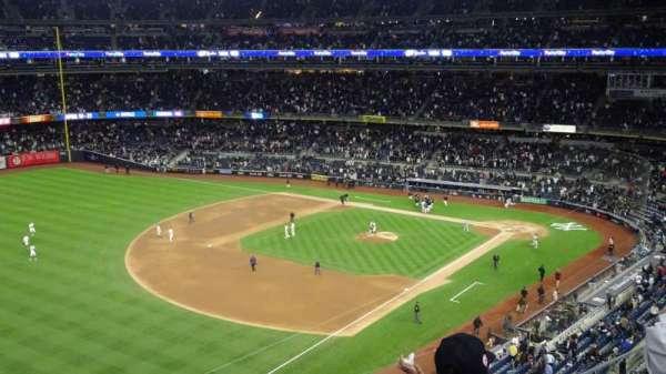 Yankee Stadium, sección: 329, fila: 3, asiento: 22