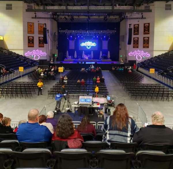 UMBC Event Center, sección: 100, fila: M, asiento: 11