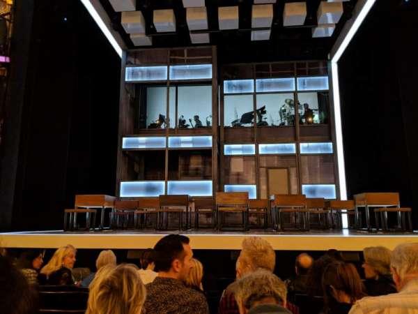 Apollo Theatre, sección: STALLS, fila: H, asiento: 11