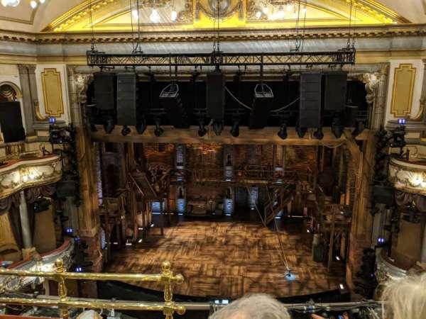 Victoria Palace Theatre , sección: Grand Circle, fila: C, asiento: 20