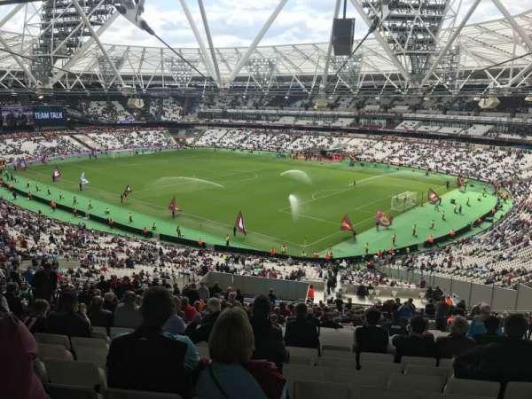 London Stadium, sección: 243, fila: 62, asiento: 127