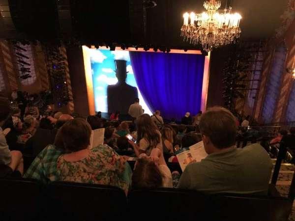 Lunt-Fontanne Theatre, sección: Rear Mezzanine RC, fila: J, asiento: 128