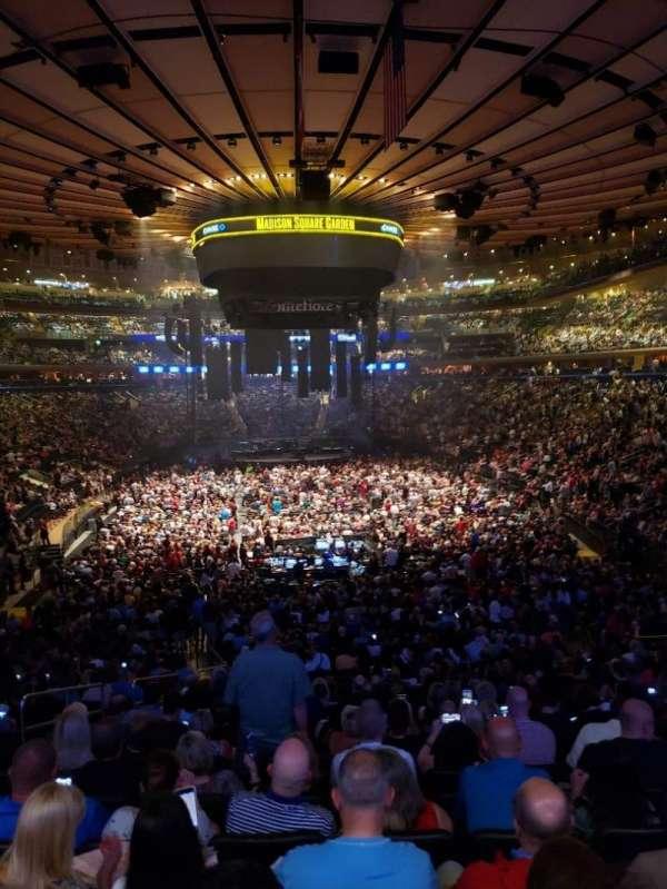 Madison Square Garden, sección: 102, fila: 22, asiento: 5