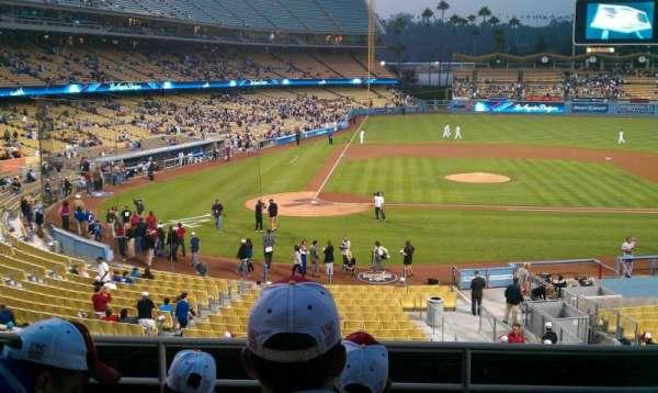 Dodger Stadium, sección: 122LG, fila: F, asiento: 5