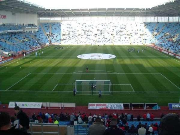 Ricoh Arena, sección: 10, fila: NN, asiento: 24