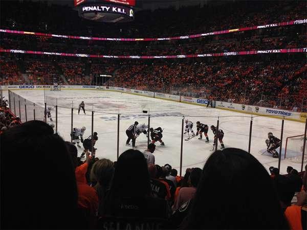 Honda Center, sección: 203, fila: M, asiento: 9