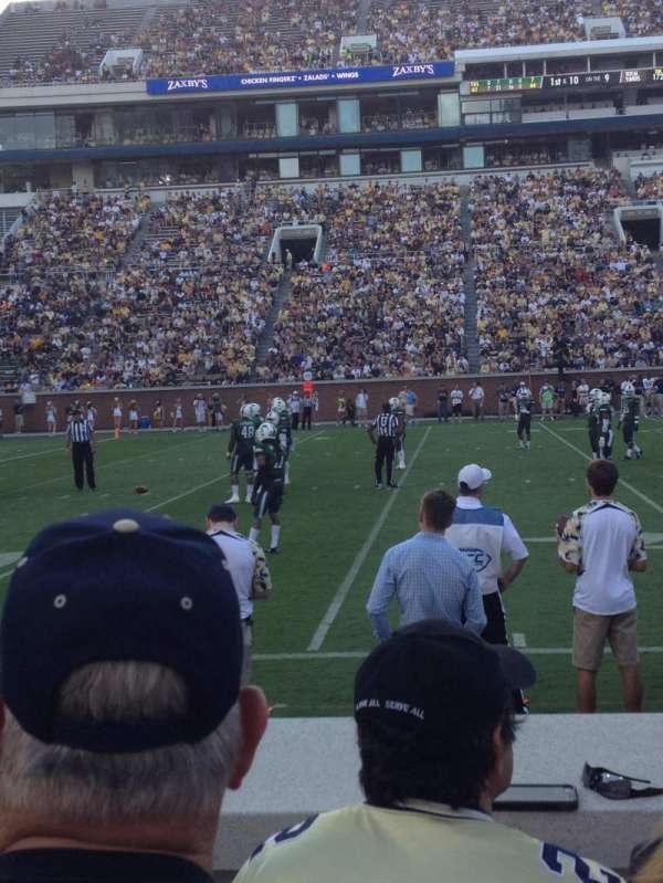 Bobby Dodd Stadium, sección: 128, fila: 4, asiento: 18