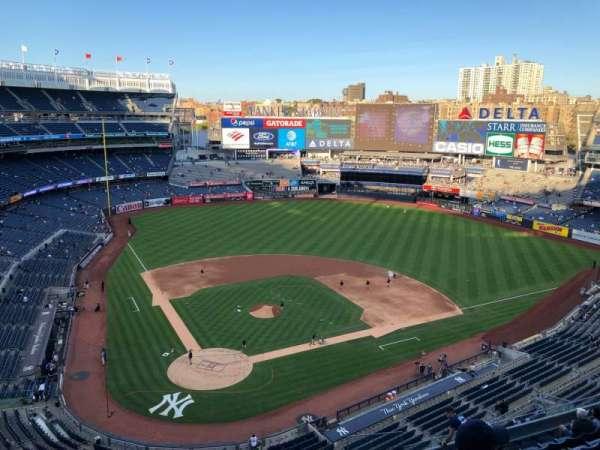 Yankee Stadium, sección: 419, fila: 1, asiento: 10