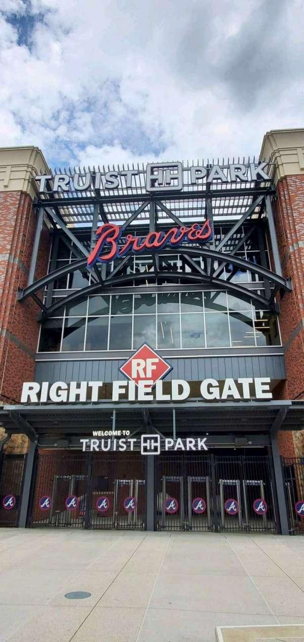 Truist Park, sección: Right Field Gate