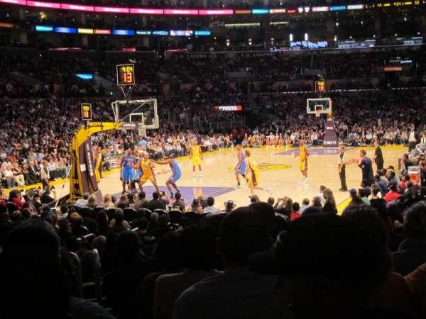 Staples Center, sección: 105, fila: 9, asiento: 9