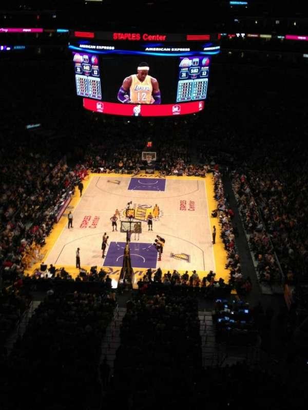 Staples Center, sección: 326, fila: 1, asiento: 7
