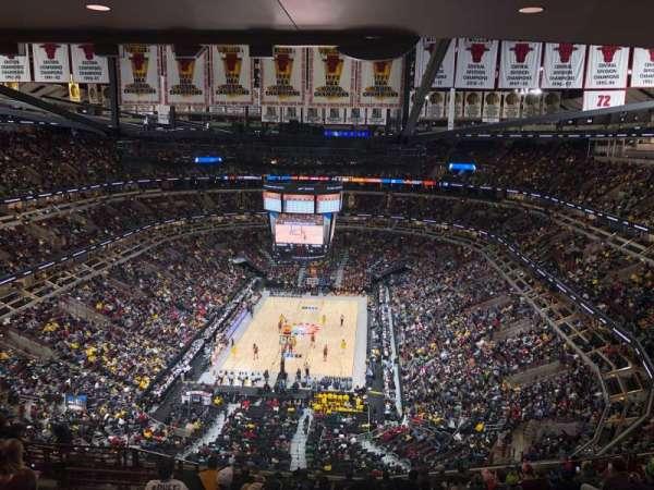 United Center, sección: 325, fila: 16, asiento: 15