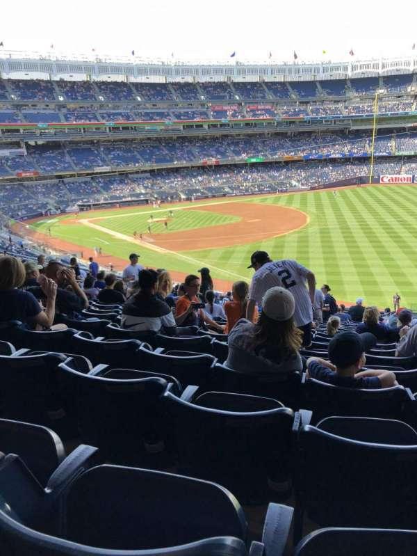 Yankee stadium, sección: 210, fila: 19, asiento: 4