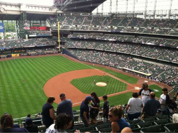 Miller Park, sección: 432, fila: 15, asiento: 17