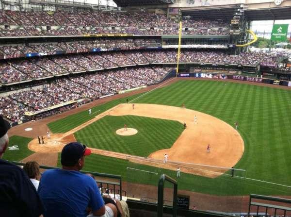 Miller Park, sección: 412, fila: 3, asiento: 20