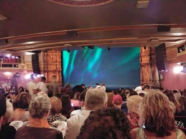 St. James Theatre, sección: ORCH R, fila: S, asiento: 22