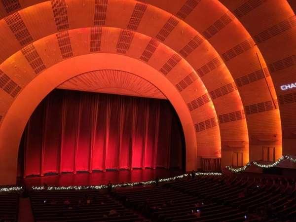 Radio City Music Hall, sección: 1st Mezzanine 6, fila: A, asiento: 604