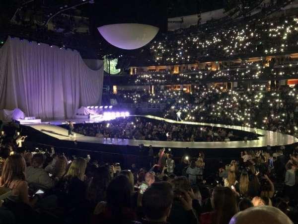 Honda Center, sección: 208, fila: M, asiento: 1