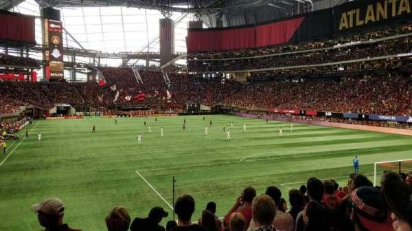 Mercedes-Benz Stadium, sección: 121, fila: 19, asiento: 12