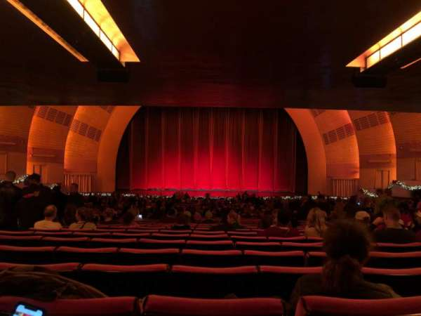 Radio City Music Hall, sección: Orchestra 4, fila: W, asiento: 408