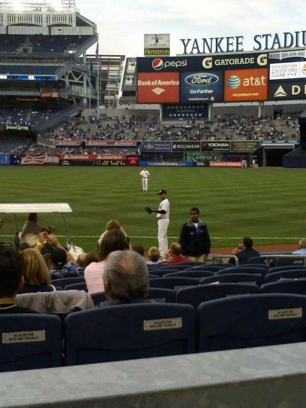 Yankee Stadium, sección: 113, fila: 12, asiento: 10