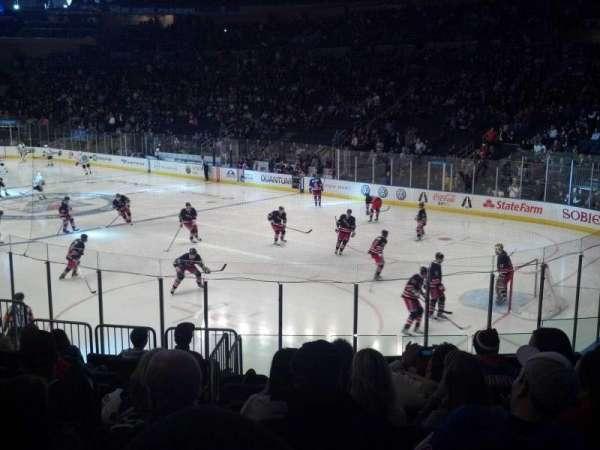 Madison Square Garden, sección: 120, fila: 13, asiento: 12