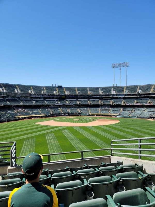Oakland Coliseum, sección: 145, fila: 44, asiento: 5