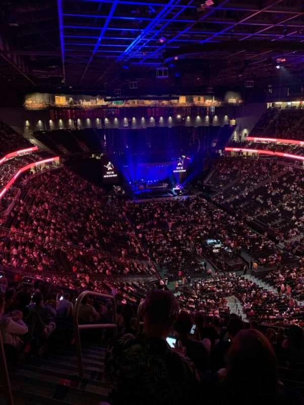 T-Mobile Arena, sección: 212, fila: Q, asiento: 1,2