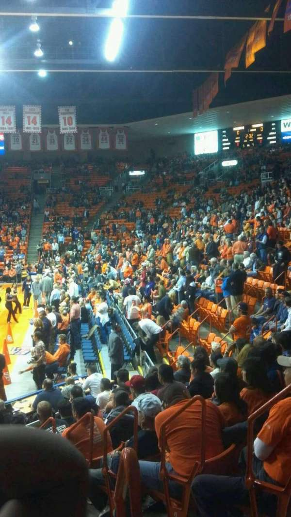 Don Haskins Center, sección: X, fila: 8, asiento: 2